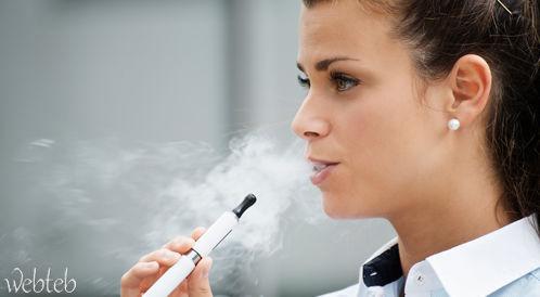 هل السيجارة الإلكترونية ضارة لصحة الفم؟