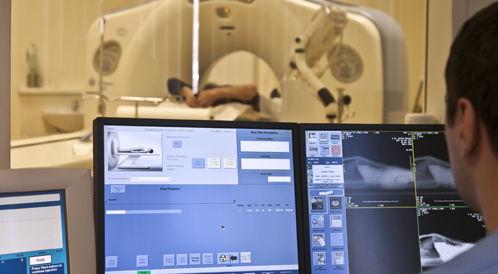 أجهزة التكنولوجيا المتقدمة في تشخيص وعلاج السرطان