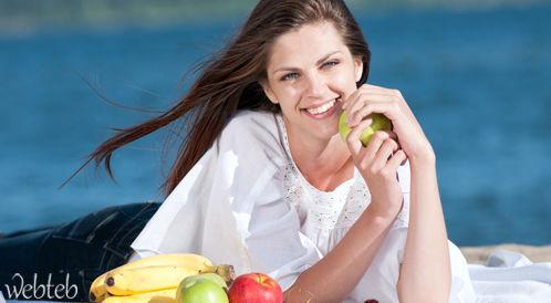 حان الوقت للتعرف على فوائد الفواكه للأسنان