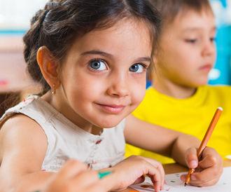 الغذاء الامثل لتطوير دماغ الطفل واداءه