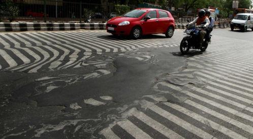 """""""الحر اذاب شوارع الهند"""": كوارث تأثير موجة الحر على الانسان"""