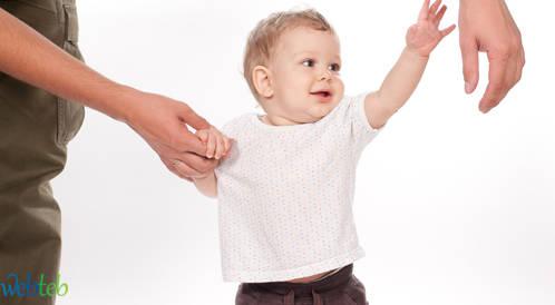 خطوات المشي الأولى وتطور حواس الطفل