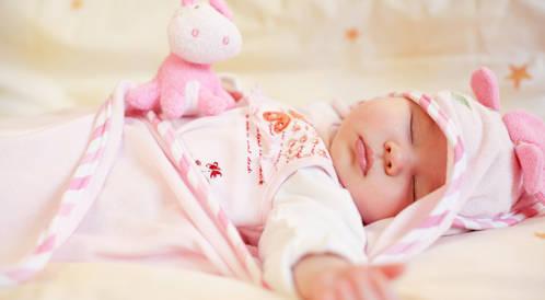 علامات صحية شائعة عند الطفل الرضيع