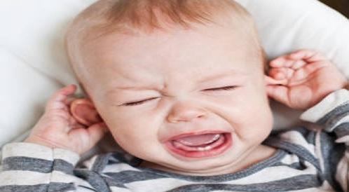 تعرفوا على التهاب الأذن الوسطى لدى الاطفال