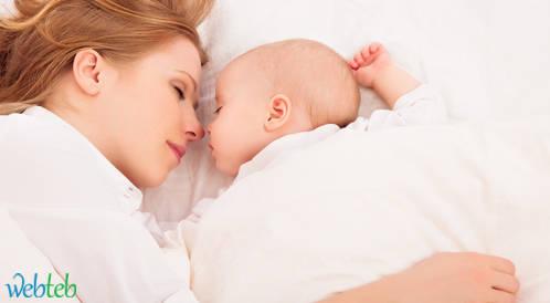 مساعدة الرّضيع على الخُلود إلى النّوم