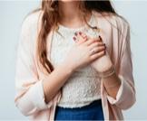 آلام ثدي المرأة