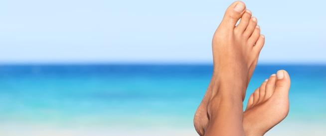 10 نصائح للعناية بقدميك في الصيف