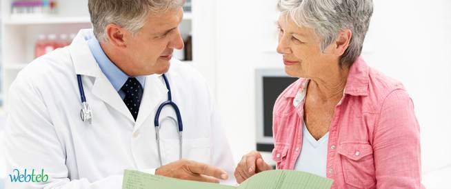 المُسَاعَدَة التي يُمكِن للطبيب تقديمها أَثنَاء فترة الإِيَاس