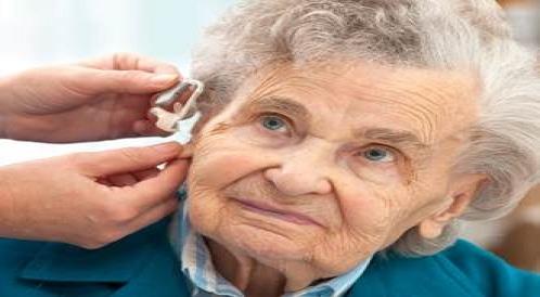 فقدان السمع: هل يشعرك ضعف السمع  بالإحراج؟