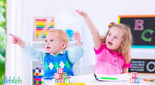 أفكار لتعليم الأطفال اللعب والقراءة