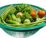 الطريقة المثالية لغسل الفواكه والخضروات