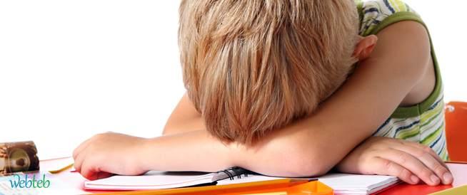 لماذا يشعر الأطفال بألم البطن