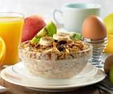 7 أغذية تساعدك على الاستيقاظ صباحاً وتمدك بالطاقة