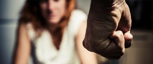 العنف وإساءة المعاملة من قبل الشريك: قصة واقعية