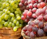 فوائد العنب وخصائصه على صحتك وجمالك