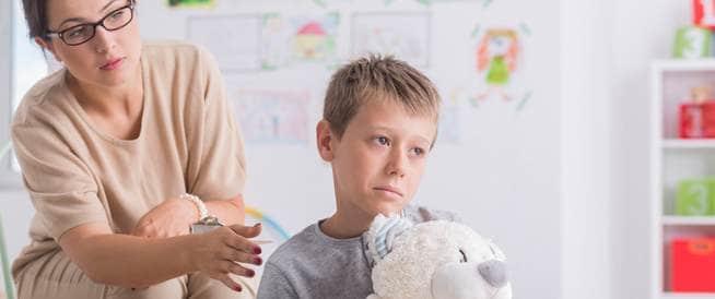 كيف نتحاشى أخطر المضاعفات  ونضمن السلامة للطفل المصاب بالسكري؟