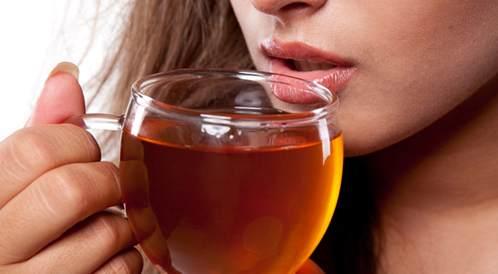 أضرار الشاي وتاثيراته على أسنانك وصحتك