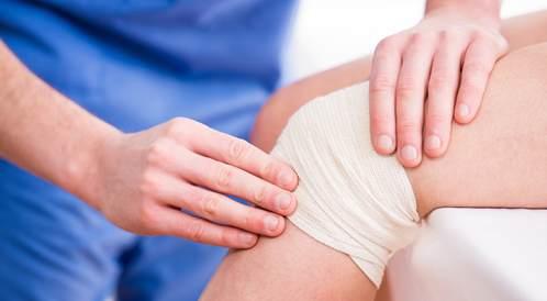 كل ما يجب أن تعرف عن تغيير مفصل الركبة (Total knee replacement)