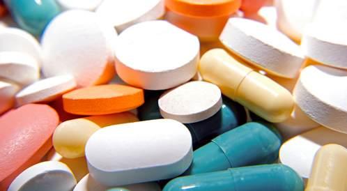 الآثار الجانبية للعقاقير المخفضة للكوليسترول: الموازنة بين المنافع والمخاطر