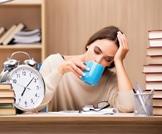 الحقيقة من وراء المعتقد 8 ساعات من النوم