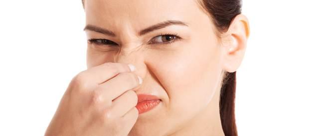 رائحة الفم الكريهة: أسبابها وطرق التخلص منها