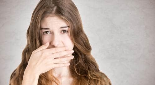 تخلّص من رائحة الفم الكريهة