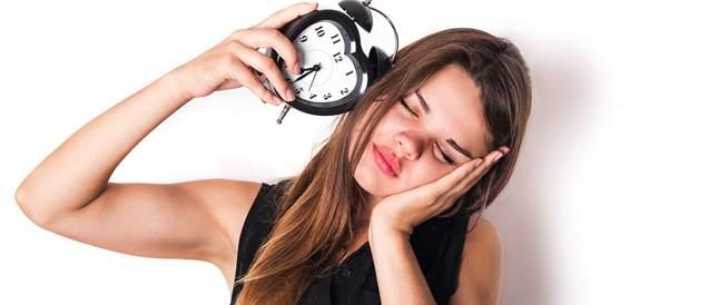 الساعة البيولوجية واضطرابات النوم