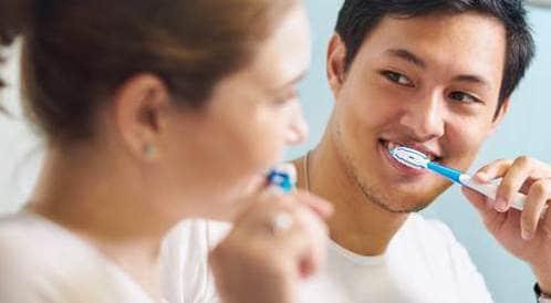 النساء أكثر عناية بصحة الفم من الرجال