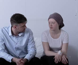 التعب الناجم عن السرطان: سببه وكيفية التعامل معه