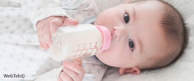 الرضاعة الطبيعية مقابل الرضاعة الصناعية: أيهما أفضل؟