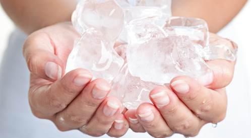 ما هو ازدراد الجليد ولماذا تشتهي تناول الثلج؟