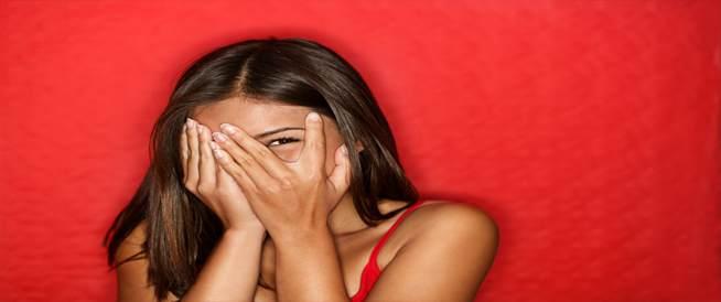 لماذا يحمرّ وجهنا عندما نخجل؟