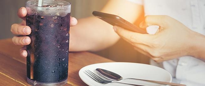 أضرار المشروبات الغازية: إليك أهمها