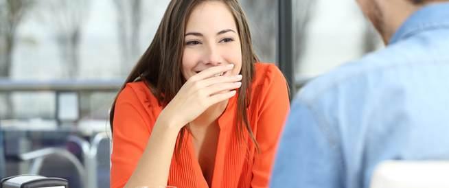 تأثير رائحة فمك على علاقتك العاطفية