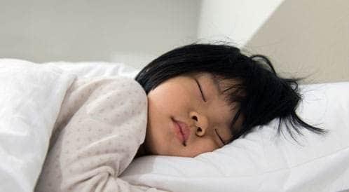 5 طرق لتدريب الأطفال على النوم المنتظم