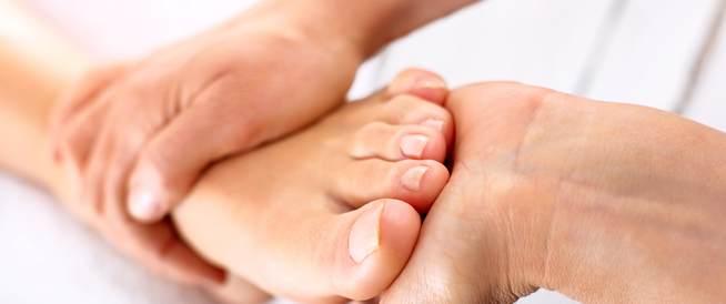 القدم المسطحة عند البالغين
