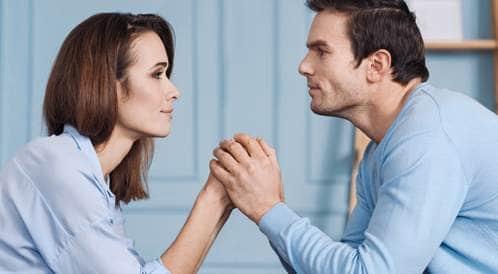 كيف تدعم زوجتك بعد الإجهاض؟