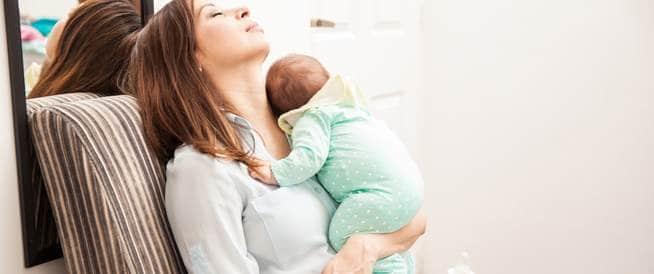 بعد الولادة: 9 نصائح لتخفيف تعب الأم