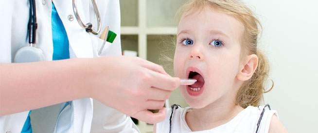 كيف أقنع طفلي بتناول الدواء؟