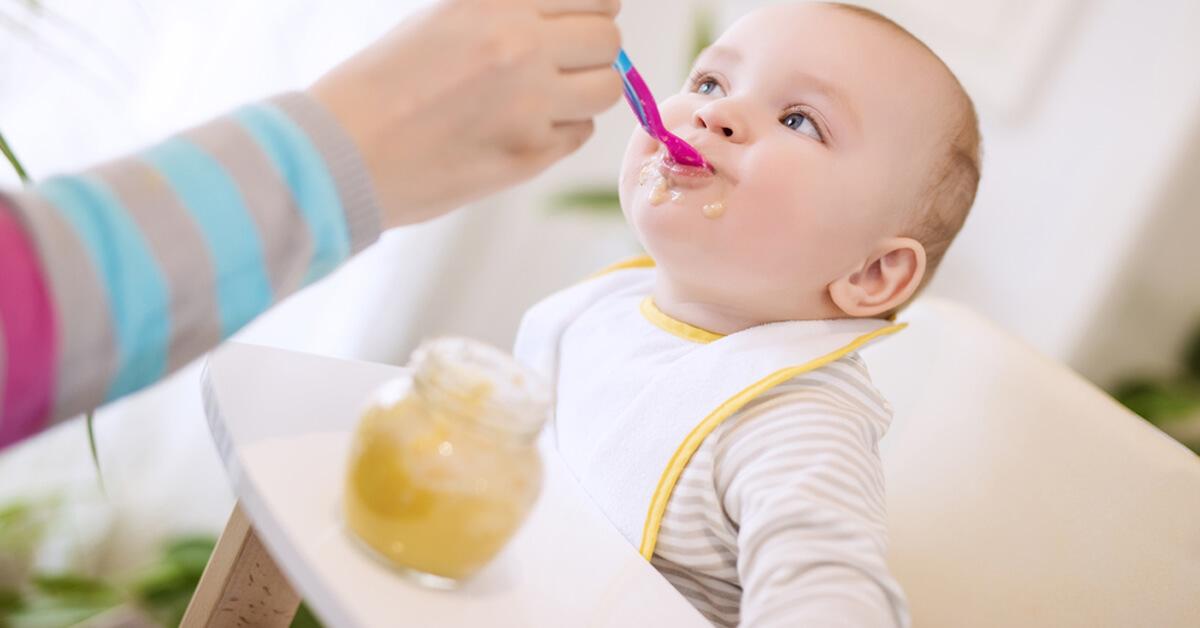 دليل تغذية الرضيع من 4 أشهر حتى 6 أشهر ويب طب