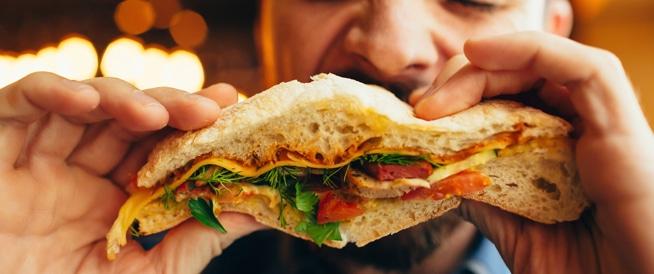 ماذا تأكل بعد تناول وجبة غير صحية؟
