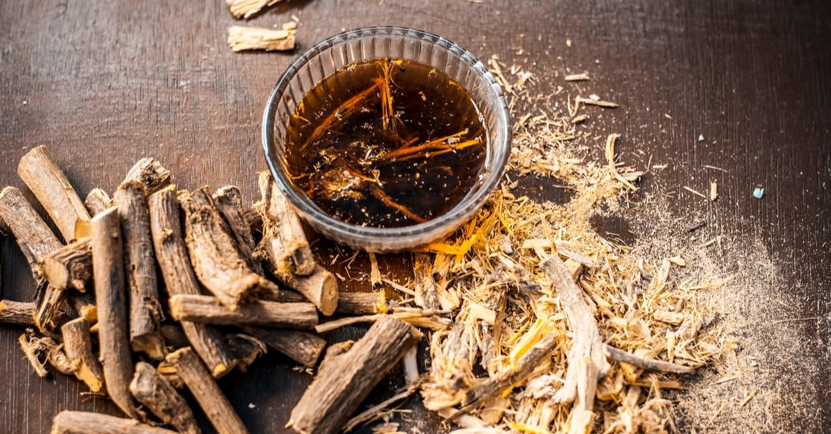 شاي جذور عرق السوس