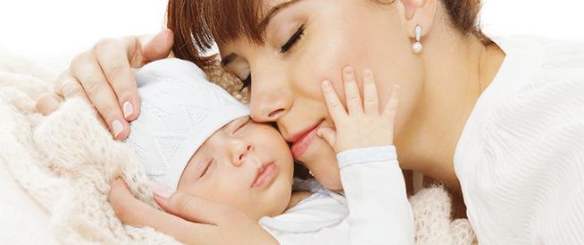 أطعمة هامة للمرأة بعد الولادة