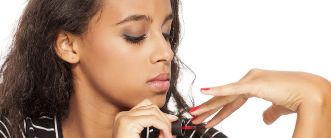 تكسر الأظافر: أسباب ووصفات منزلية فعّالة