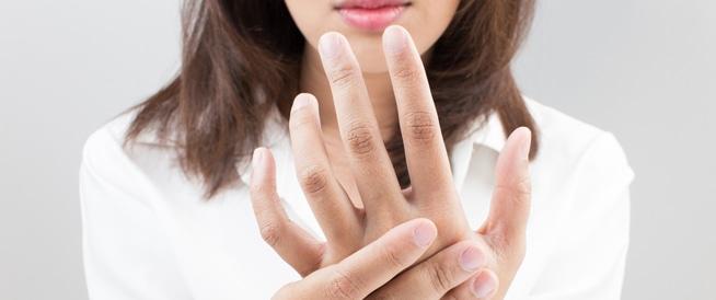 أسباب وأعراض تضرر الأعصاب