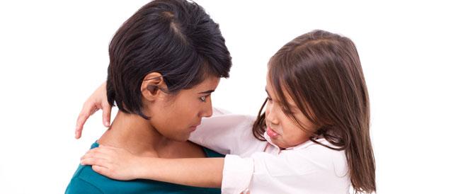 10 عبارات توقفي عن قولها لطفلك
