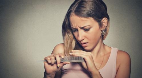 حقيقة علاجات ترقق الشعر وتساقطه
