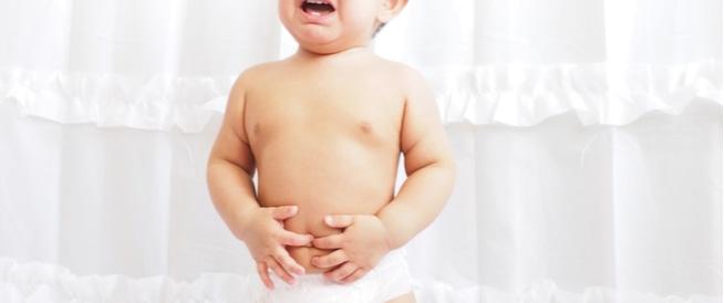 لماذا يصاب طفلك بألم المعدة؟
