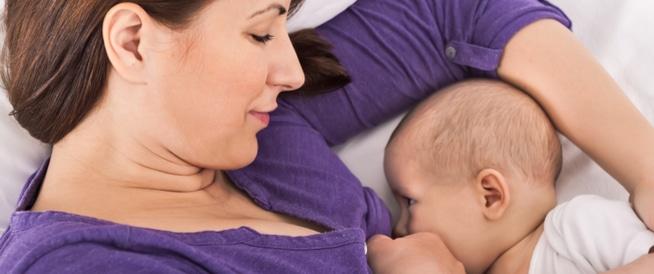 أشياء تتفاعل مع حليب الثدي عند الرضاعة