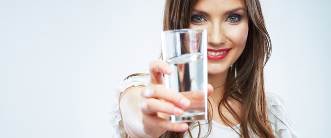 7 فوائد لشرب الماء للبشرة